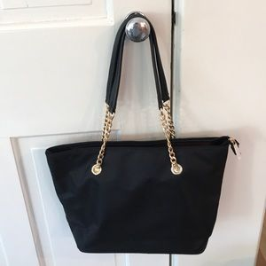 Simply II Bags - 1 HR SALE Beautiful boutique nylon chain purse